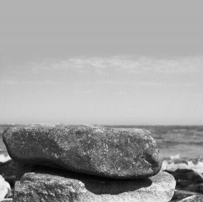 Fototapeta dwa kamienie nad morzem