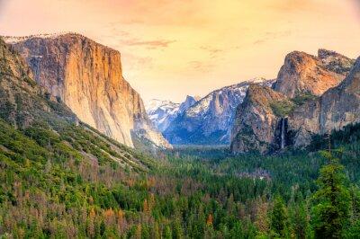 Fototapeta El Captain, Yosemite National Park, USA.