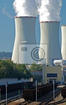 Fototapeta Elektrownia z wagonów węgla dostaw i chmury oparów białego