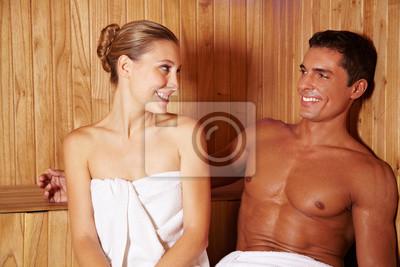 Entspannt Paar w saunie
