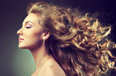 Fototapeta faliste włosy