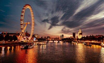 Fototapeta Ferris Wheel In City At Sunset