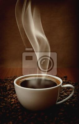 filiżanka kawy z aromatycznym dymem