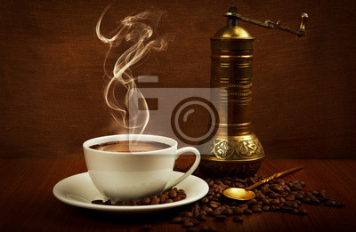 filiżanka kawy z młynkiem