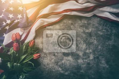Fototapeta Flaga amerykańska na Dzień Pamięci, 4 lipca, Święto Pracy