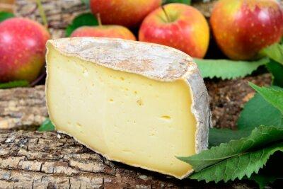 Fototapeta francuskie sery z jabłkami