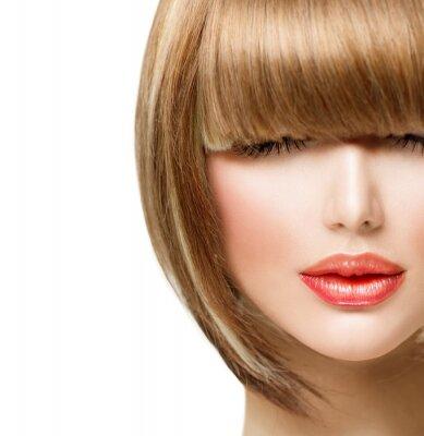 Fototapeta Fringe fryzurę. Piękna dziewczyna z krótkimi włosami