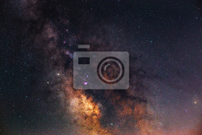 Galaktyka drogi mlecznej. Fotografia nocna.