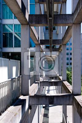 Fototapeta Geometryczne elementy architektoniczne nowoczesnego budynku w perspektywie