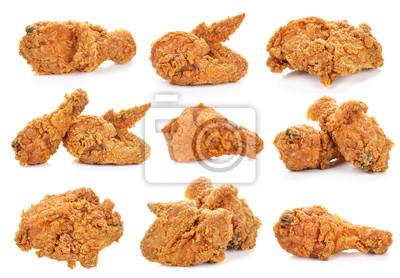 Fototapeta Golden brown smażonego kurczaka na białym tle.