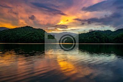 Fototapeta Górskie jezioro, malownicze słońca, Kentucky
