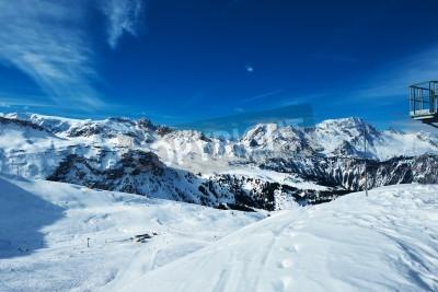 Fototapeta Góry w śniegu w zimie, Meribel, Alpy, Francja
