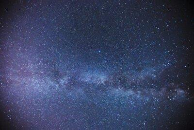 Fototapeta Gwiaździste niebo nad stodołą w gospodarstwie w nocy