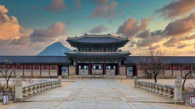 Fototapeta Gyeongbok palace in Seoul City, Gyeongbokgung palace landmark of Seoul, South Korea, Korean wooden traditional house in Gyeongbokgung the main royal palace of Joseon dynasty.