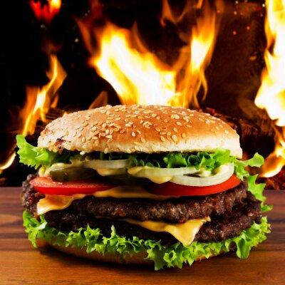 Fototapeta Hamburger - burger z grillowaną wołowiną i vegetabes