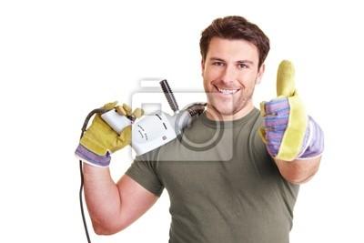 Handwerker zeigt mit Daumen nach oben