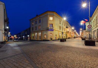 Fototapeta Henryka Sienkiewicza w godzinach wieczornych. Kielce, Polska.