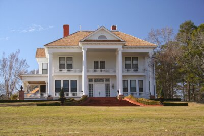Fototapeta Historic Colonial Style Home in Rural East Texas