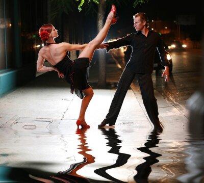 Fototapeta Hot latin taniec na ulicy