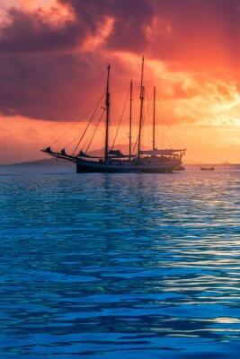 Fototapeta Jacht rekreacyjny na Oceanie Indyjskim