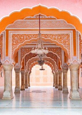 Fototapeta Jaipur miasta pałac w Jaipur mieście, Rajasthan, India. Światowe dziedzictwo UNESCO znane jest jako piękne różowe elementy architektoniczne. Słynny cel w Indiach.