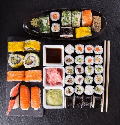 Fototapeta Japoński zestaw sushi owoce morza
