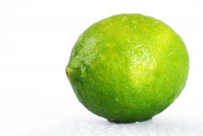Fototapeta Jasny zielony mokre wapno na białym