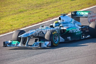 Fototapeta Jerez de la Frontera, Hiszpania - 10 lutego: Nico Rosberg z Mercedes wyścigach F1 na szkolenie w dniu 10 lutego 2011 w Jerez de la Frontera, Hiszpania