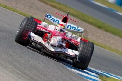 Fototapeta Jerez de la Frontera, Hiszpania - 11 października: Ricardo Zonta Toyota F1 wyścigi na sesji szkoleniowej w dniu 11 października 2006 roku w Jerez de la Frontera, Hiszpania