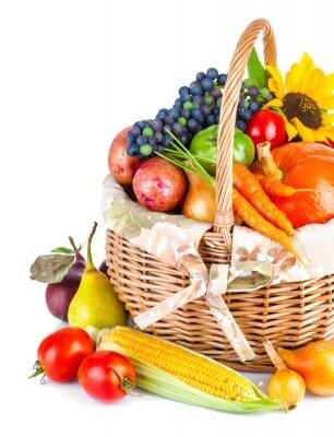 Fototapeta jesiennych zbiorach warzyw i owoców w koszyku samodzielnie na