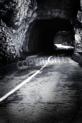 Fototapeta Jest światło po Straszny tunelu
