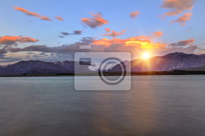 Fototapeta Jezioro Tekapo o zachodzie słońca