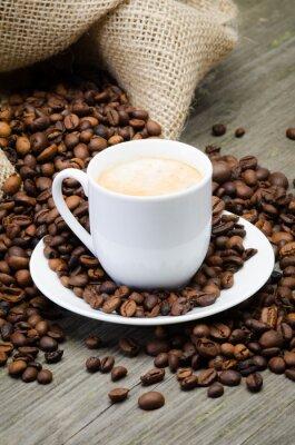 Fototapeta kaffeesack mit bohnen und kaffeetasse