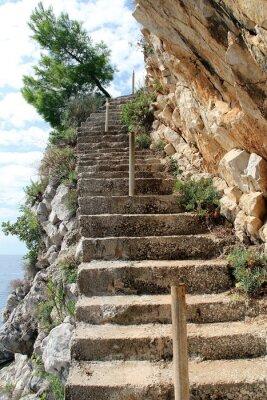 Fototapeta Kamienne schody na krawędzi urwiska