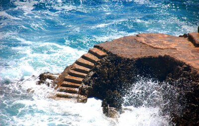 Fototapeta Kamienne schody prowadzą do ruchomej morza
