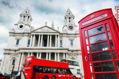Fototapeta Katedra Świętego Pawła, czerwony autobus, budka telefoniczna. Symbole Londynie