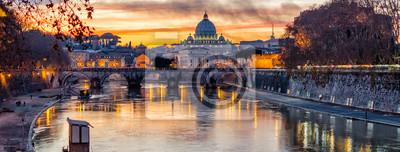 Fototapeta Katedra Świętego Piotra o zachodzie słońca w Rzymie, Włochy