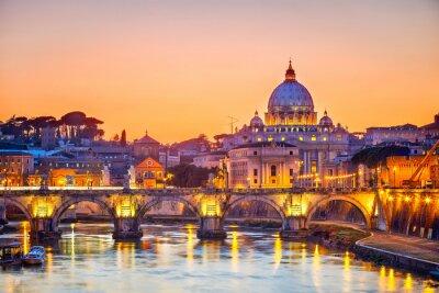 Fototapeta Katedra Świętego Piotra w nocy, winiarnia w Rzymie z widokiem na katedre