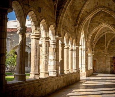 Fototapeta Katedra w Santander, przedpokój, kolumny i łuki klasztoru