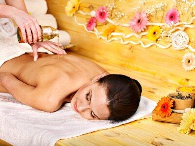 Kobieta coraz masażu .