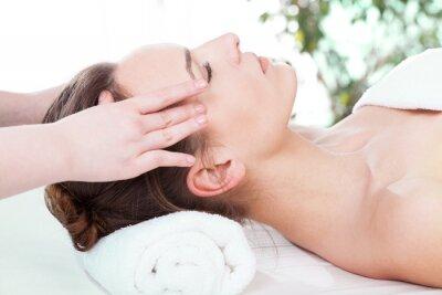 Fototapeta Kobieta o masaż głowy