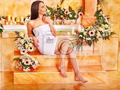 Kobieta w luksusowym spa.