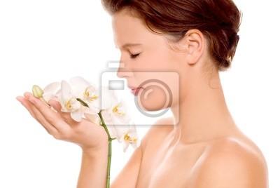 kobieta z białych orchidei