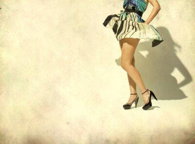 Fototapeta Kobiety nogi i wysokie buty pięty