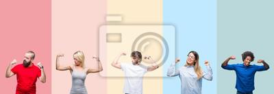Fototapeta Kolaż grupy młodych ludzi na kolorowe tło na białym tle pokazując ramiona mięśni uśmiecha się dumny. Koncepcja fitness.