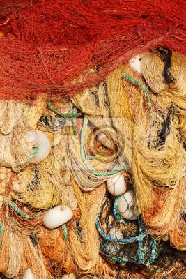 Kolorowe sieci rybackie suszenia