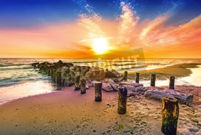 Fototapeta Kolorowe słońca na plaży.
