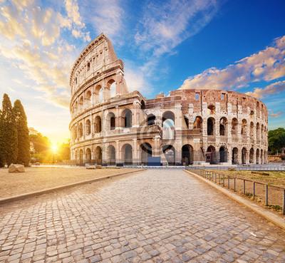Fototapeta Koloseum lub Amfiteatr Flawiusza (Amphitheatrum Flavium lub Colosseo), Rzym, Włochy.