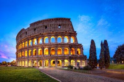 Fototapeta Koloseum w Rzymie w nocy
