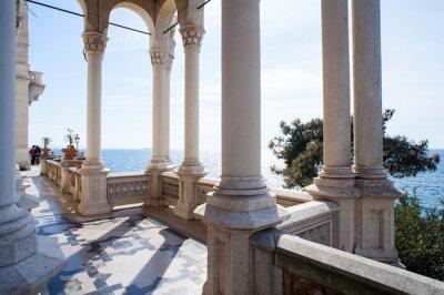 Fototapeta Kolumny, Zamek Miramare w Trieście